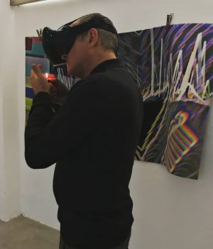 Gary in VR Modus at the exhibition opening tomorrow, E #stationrose #digitalart #electronica ...