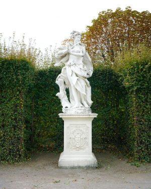 Vienna Austria---------------------------------------+ follow the adventure #austia🇦🇹 #vienna#austria#europe #travelblogger #passionpassport#igtravel #lifeofadventure #adventuretime #exploreeverything #travelblog#architecture#travel#instago ...