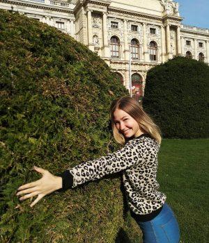 Немножко теплых венских free hugs в этот пасмурный ноябрьский день 🤗🍁 Kunsthistorisches Museum ...