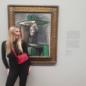 Карусель в Пикассо.Очень меня порадовала голая картина)) #дюрер#art#albertina#vienna#culture#paint#wing#durer#собложки#ангелшлессер#ангел#блондинки#австрия#picasso#monch#мунц#пикассо Albertina Museum