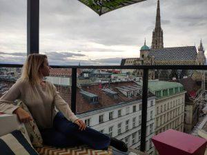 #viennatoday #viennarooftops #viennaaustria #vienna_go #vienna_city #igersvienna #igerswien #wien #wienliebe #lifestyle #rooftopsviews #lameerooftop #stephansdom ...