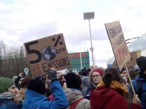 20.000 bei der Klimaschutz-Demo: Beim vierten weltweiten Klimastreik maschierten Tausende in Wien mit. Link in der Bio!...