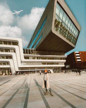 • Nothing compares, tooo youuu 😂❤️ ———————————————————— #vienna #wuwien #wu #igerswien #austrianblogger #bosniangirl #picsart #architecture #college #carmushka...