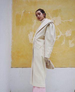@halle_lui_ah 💝 #burggasse24 #vintagecoat #lazyoaf #pants #sweater #puffärmel #forever Burggasse Wien