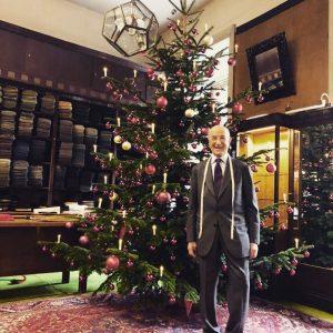 🎄Etwas Weihnachtsstimmung gefällig? Besucht uns in unserem KNIZE-Salon. Wir freuen uns auf euch! 😊 Ready for some...