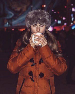 Vampire girl 🧛♂️ 1. Glühmost 2019😍😁 #winter #weihnachtsmarkt #fakefur #hotdrinks #hotgirls #brownhairdontcare #crazyeyes ...
