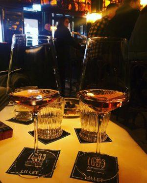 🖤 this Bar! . . . . #wien #loosbar #daydrinking #champagne #zeitzuzweit Loosbar