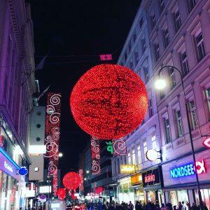 #ChristmasInVienna #Rotenturmstrasse #Wien #Vienna #austria🇦🇹 #Christmas #Xmas Rotenturmstraße