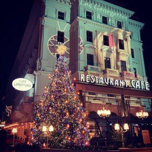 Vienna is getting ready 🎄🌥🏰 . . . . . . #vienna #austria #businesstip#christmas#nightout#enjoythecity#citysightseeing#winterishere Café Landtmann