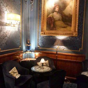 #sacherhotel #blauebar #oldfashioned Sacher Hotels