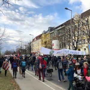Gerade geht in #Wien die #KlimaDemo #FridaysforFuture zu Ende. Neben den Youngsters, die von Anfang an dabei...