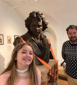 Viemos também na casa do magnífico Beethoven! Ele nasceu em Bonn na Alemanha, mas escolheu Viena para...