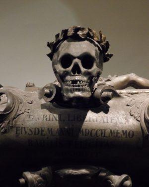 The Imperial Crypt in Vienna #kaisergruft #mementomori #crypt #wien #travelgram #vienna #habsburg #darktourism Kaisergruft