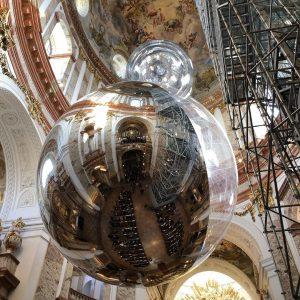 Церковь Святого Петра. От этого шара под куполом собора невозможно было оторваться! Настолько неожиданным он был в...
