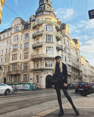 Куда не посмотри - везде красиво...😍🤗 #vienna #wien #girl #ootd #black #style #look #fashion #blonde #travel #adventure...