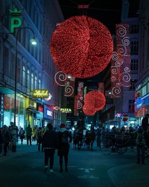 Wir sind nicht nur große Fans der Weihnachtsbeleuchtung der Rotenturmstraße, sondern auch der neuen Begegnungszone, die zum...