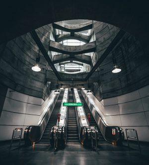 Underground 👽 // • • • #wien #symetrical #symmetry #underground #metro #viennatouristboard #vienna_go ...