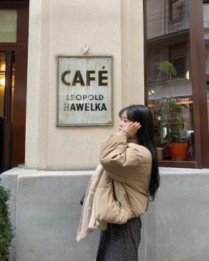 여보..세요 #통화하는고아님 Café Hawelka