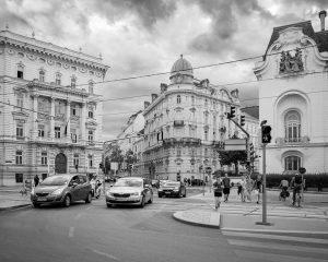 Viena, verano de 2019 #people_and_world #fuji #fujinon #summer #vacaciones #vacation #travel #day #blackandwhite #bw #instablackandwhite #people #streetphotography...
