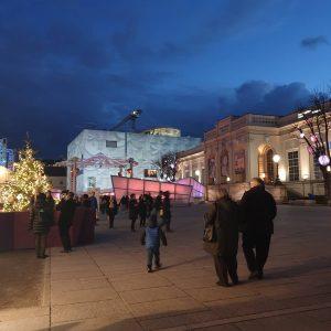 VIENNA/ MQ _______________ #goodeveningvienna #mq #leopoldmuseum @leopold_museum #christmas #advent #christmasinvienna #wien #vienna #vienne #vienna_go #vienna_austria #viennadaily #viennawalks...