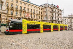 #spotted Unsere Nuri Straßenbahn fährt jetzt durch Wien! 😍 Habt ihr sie schon gesehen? Wir freuen uns...