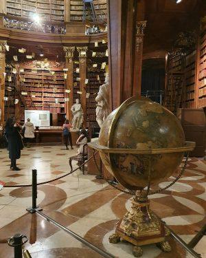 🇦🇹Vienna/Biblioteca Nazionale Austriaca . . . . . . #nationalbibliothek #vienna #wien #book #weekendbeforechristmas Österreichische Nationalbibliothek