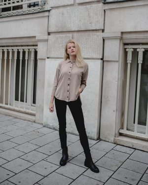 Super soft Cardigan-Shirts have arrived at the shop! Something different tjat works for every day! Fotos by...
