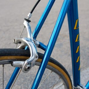 I took over the restoration of this Fausto Coppi roadbike, and painted it in his original transparent...
