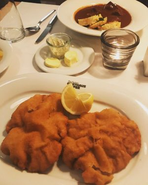 Wiener schnitzel. My favourite. #dinner #vienna #saturdaynight #mattbronze Plachuttas Gasthaus zur Oper