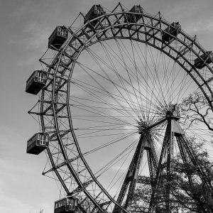 Wiener Prater🎡 • • • #wienerprater #stadt #riesenrad #fotografie #fotografieren #herbst #foto #hobbyfotografie ...