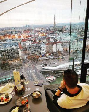 #dasloftwien #greatview #vienna #oyster #bestplace Das LOFT Restaurant Bar & Lounge