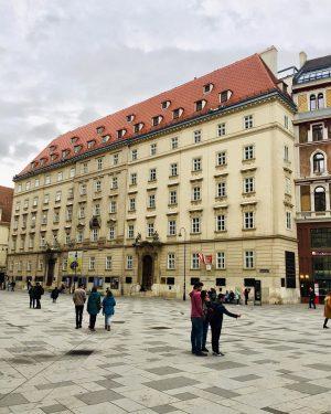 #stephansplatz #austria #wien #vien #vienna #travel #instagram #architecture #photography #streetphotography