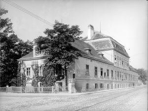 (1909/ÖNB Stauda/Wiki) Villa Prónay Der Prónaygarten war ein botanischer Garten der Biedermeierzeit in der seinerzeitigen Wiener Vorortgemeinde...