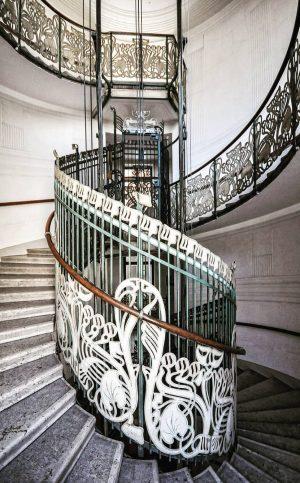 Jugendstil in Wien - Otto Wagner #amazingshots_arte #art_chitecture #stairsandsteps #staircasefriday #stairchallenge #structure_bestshots #lookingup_architecture ...