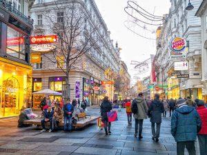 Wien, Wien nur du allein sollst die Stadt meiner Träume sein... 🎶 #vienna #inlovewithvienna #exploringvienna #discovervienna #streetphotography...