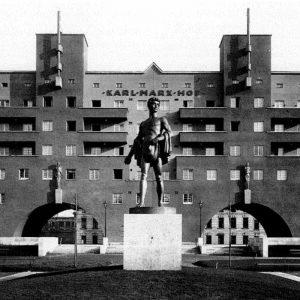 Karl Marx Hoffe (1926) K.Ehn - Viena, Primera Guerra Mundial - Construcción de viviendas para clase obrera...