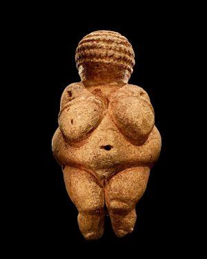Venus von Willendorf. #theyoungpope Kunsthistorisches Museum Vienna
