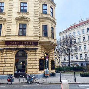 Before Sunrise🇦🇹#cafesperl #art&neu Café Sperl