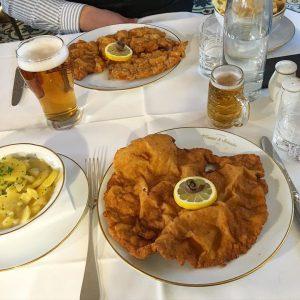 💛➰🇦🇹 SCHNITZEL LOVE - #favorite #restaurant #daily #유럽 #비엔나 #meisslundschadn #오스트리아 #음식 #슈니첼 ...