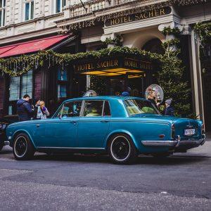 #vienna #wien #vienna_city #austria #rollsroyce #silvershadow #car #carphotography #carspotting #carspottingpolska #city #cityphoto #cityphotography ...