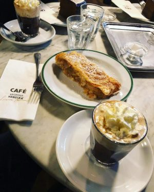 Strudel @ ☕️ at Café Hawelka #vienna #cafehawelka #coffee Café Hawelka