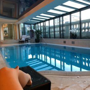 If only every Sunday could start with a swim at the #palais 😍... #vienna Palais Coburg Residenz...