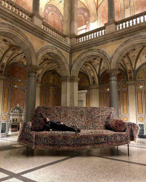 "shrink to size 🔍💊🎟🗝🧴🚪🕳 #gelitin ""sofa"" (2019), a colossal hommage to #franzwest ""12 divans"" (1996) #makcollection #makvienna..."