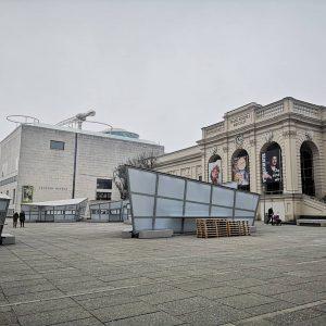 Quando girate una città, la osservare solo esternamente o entrate anche in alcuni musei? . A Vienna...