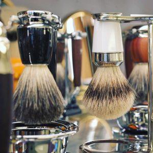 #nassrasur oder #trockenrasur Vorbereitung und #aftershave 😎Kommt zu uns in den Laden, denn ...