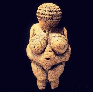 La Venere di Willendorf è la più famosa delle veneri paleolitiche, e la ...