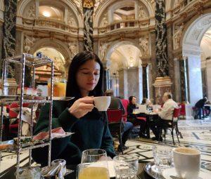 Breakfast in the museum 🤩 Incredible experience #delicious #museedesbeauxarts #wien #vienne #breakfast #art ...