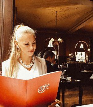 But first coffee! ☕❤ #wheninvienna #coffee #coffeelover #butfirst #cafesperl #melange #coffeehouse #applestrudel #vienna ...