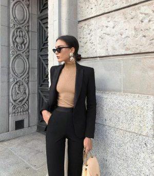 Classy girl 🖤 #fashionphotography #fashioninspo #fashionstyle #styleinspo #classy