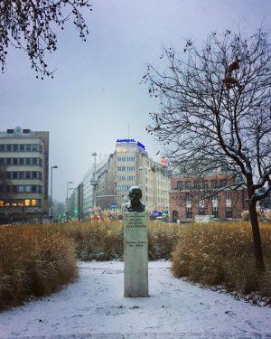 😍#winterinvienna ❄️ #firstsnowoftheyear #january2020 #winterzeit #strollingaround #esperantopark #zamenhof #bewegungmachtglücklich #wien🇦🇹 #wienliebe #wienstagram #meinwien #wien_love #vienna🇦🇹 #ilovevienna #viennamylove...
